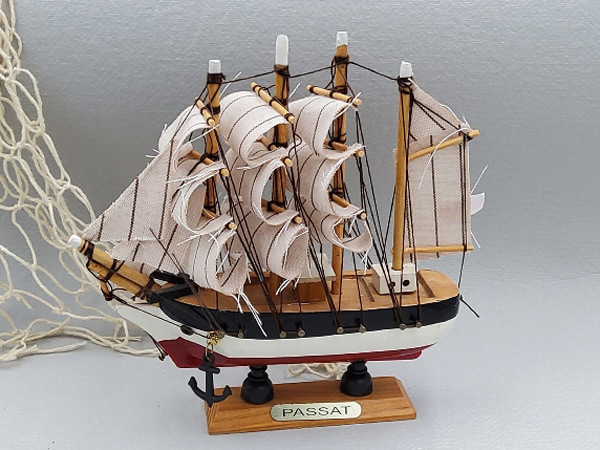 Modellschiff Passat - Viermastbark - Schiffsmodell aus Holz - 16 cm